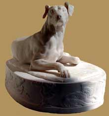 Grégoire Giraud: chien. 1827. Marbre blanc. Paris, musée du Louvre