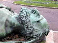 François Rude: gisant de Godefroy Cavaignac. Bronze. Paris, cimetière de Montmartre