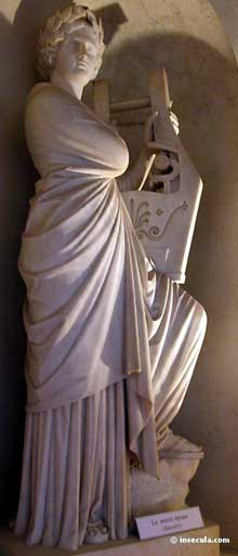 Pierre Charles Simart: NapoléonI en costume de Sacre. Marbre. Paris, bibliothèque du sénat, jardin du Luxembourg