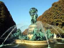 Gabriel Davioud et Carpeaux: la fontaine des Quatre Parties du Monde ou de l'observatoire à Paris