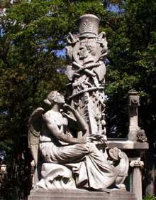Etienne Hippolyte Maindron: mausolée de l'amiral Bruat et de son épouse. Paris, cimetière du père Lachaise