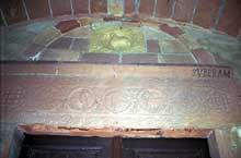 Altenstadt: linteau et tympan du portail d'entrée provenant sans doute de Wissembourg