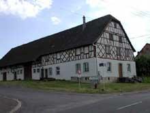 Altwiller en Alsace Bossue: ferme de type vosgien à colombage. (La maison alsacienne)