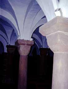 Andlau: la crypte de l'abbatiale