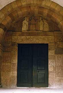 Andlau: le porche de l'abbatiale