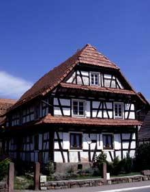 Betschdorf: une belle maison à colombage. (La maison alsacienne)