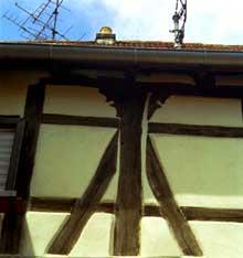 Colombages, rue des Juifs. Maison de 1606. (La maison alsacienne)