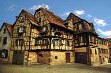 Bouxwiller: maisons traditionnelles. (La maison alsacienne)