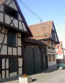 Brumath: la vieille ville le long de la Zorn. (La maison alsacienne)