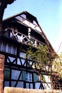 Buswiller en pays de Hanau: maison Schini. (La maison alsacienne)