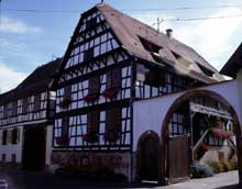 Dachstein: une ferme. (La maison alsacienne)