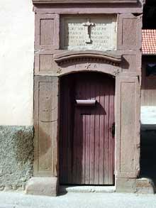 Dauendorf: porte de ferme. (La maison alsacienne)