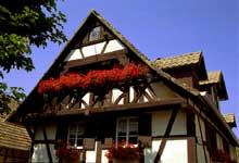 Gougenheim: Façade traditionnelle de 1681. (La maison alsacienne)