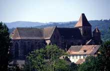 L'abbatiale de Marmoutier vue de la route de Reutenbourg