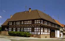 Superbe ferme du XVIIIè à Mundolsheim. (La maison alsacienne)