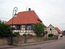 Obenheim dans le Ried. (La maison alsacienne)