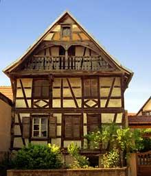 Obermodern en pays de Hanau. Maison du XVIIè. (La maison alsacienne)