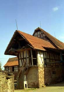 Obermodern en pays de Hanau. Grange… (La maison alsacienne)