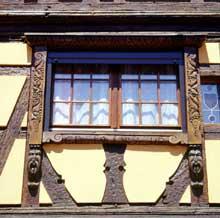 Obernai: maison place de l'Etoile. (La maison alsacienne)