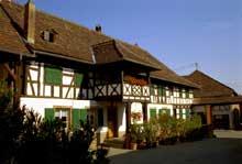 Quatzenheim: ferme de 1610 avec rajouts et reconstructions de 1803. (La maison alsacienne)