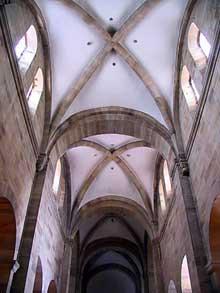 Rosheim: saints Pierre et Paul : voûtes d'ogives de la nef