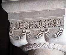 Rosheim: saints Pierre et Paul : chapiteau de la nef