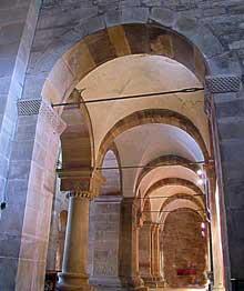 Rosheim: saints Pierre et Paul: un bas coté voûté d'arêtes