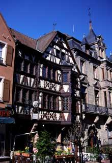 Saverne: la taverne Katz, la plus belle demeure de la Grand'Rue. (La maison alsacienne)