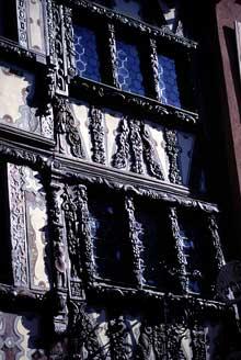 Saverne: la taverne Katz, détail de la façade. (La maison alsacienne)