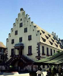Sélestat: l'ancien arsenal Sainte Barbe, du XIVè. (La maison alsacienne)