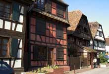 Schiltigheim: le centre du vieux village. (La maison alsacienne)