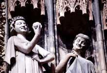 Strasbourg�: la cath�drale�: portail sudd de la fa�ade occidentale�: le tentateur avec une vierge folle
