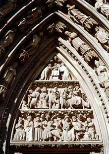 Façade occidentale, portail nord: tympan de la naissance et de l'enfance du Christ
