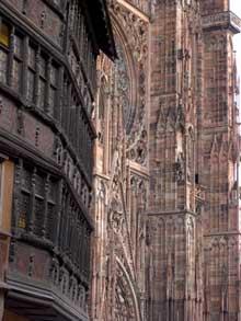 Strasbourg, cath�drale: Fa�ade occidentale et maison Kammerzell