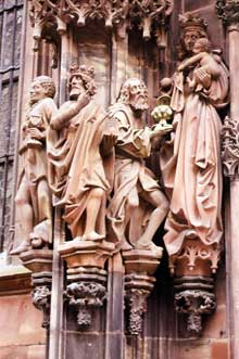 Strasbourg, cath�drale: sculptures du portail nord, dit de Saint Thomas