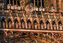 Strasbourg, cathédrale: la galerie des apôtres de la façade
