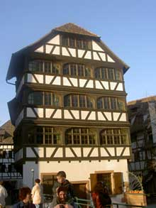 Strasbourg Petite France. (La maison alsacienne)