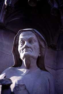 Strasbourg, Saint Pierre le Jeune: détail du portail sud dit d'Erwin
