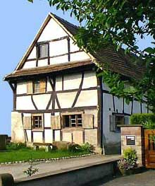Weyersheim: la maison du XVè. (La maison alsacienne)