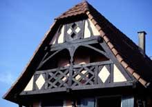 Weyersheim: la symbolique de la maison à colombage… (La maison alsacienne)