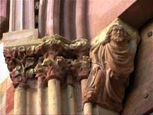 Wissembourg, abbatiale: détail du portail