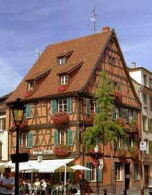 Colmar: belle maison, rue du Rempart. (La maison alsacienne)