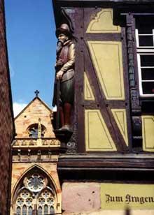 Colmar: Maison Pfister et Saint Martin. (La maison alsacienne)