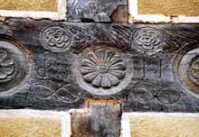 Durmenach: détail du décor de la maison Niefergold, rue de l'église. (La maison alsacienne)