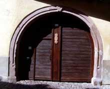 Gueberschwihr: porche…. (La maison alsacienne)