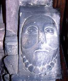 Guebwiller: console du portail de Saint Léger