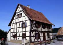 Hirtzbach: maison de 1672. (La maison alsacienne)