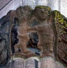 Lautenbach: chapiteau du porche