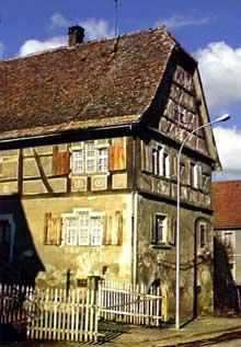 Magstatt le Bas: maison de viticulteur, XVIIè. (La maison alsacienne)