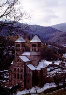 Murbach: le chevet vu de la chapelle de Lorette